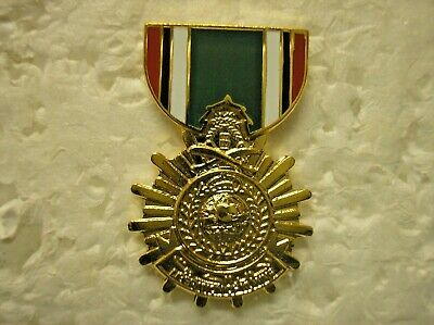MILITARY MEDAL HAT PIN - KUWAIT LIBERATION MEDAL-SAUDI