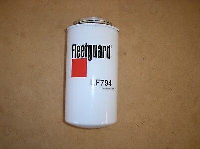 Oliver 55 66 77 88 550 770 880 New Fleetguard Oil Filter 21-32-8