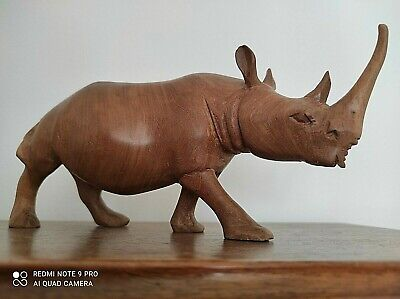 BEAUTIFUL VINTAGE RHINO CARVED WOODEN MID 20TH C RHINO FIGURE TREEN WARE