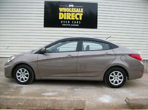 2013 Hyundai Accent FULL-FEATURED GAS SAVER ... CLEAN AND UNDER