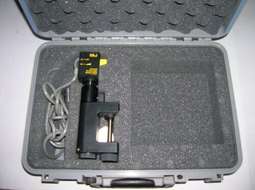 DLI Model 4400 27100035 INFRARED TACHOMETER  with case    s1