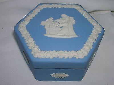 Lovely Wedgwood blue jasper ware hexagonal shaped trinket box