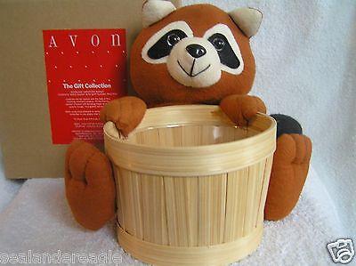 Cotton Flannel Liner - Avon Cotton Flannel Raccoon Holds a Wooden Woodland Harvester Basket / Liner NIB