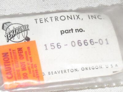 Original Tektronix Oem Repair Part 156-0666-01 Motorola 24 Pin Ic Chip Scm3956p