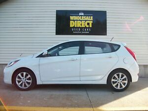 2012 Hyundai Accent SPORTY HATCHBACK WITH SUNROOF AND ALLOYS