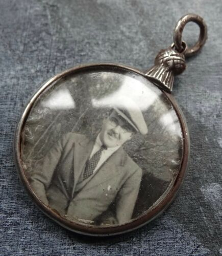 antique Edwardian h/m 1908 SILVER thistle top photo locket pendant  -*17