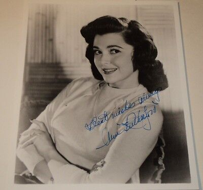 ANN RUTHERFORD /  LOVELY  8 X 10  B&W  AUTOGRAPHED  PHOTO