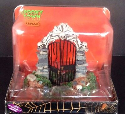 Lemax Halloween Spooky Town Cemetery Skull Gate Table Accent - Cemetery Gates Halloween