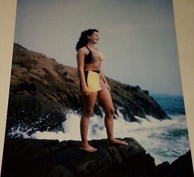 GAIL RUSSELL / BIKINI ON ROCKS AT BEACH /  8 X 10  COLOR  PHOTO