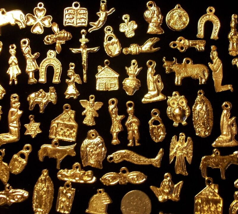 50 GOLD Import Mexican Milagros Shiny Good Luck Ex Votos Dijes Miracle Charms