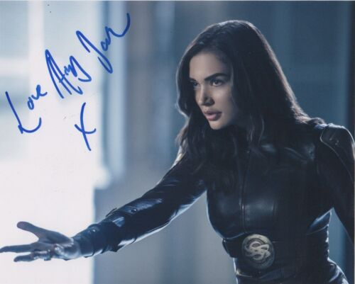 Amy Jackson Supergirl Autographed Signed 8x10 Photo COA #A36