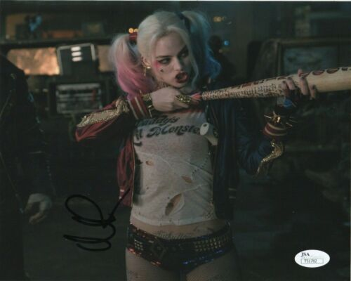 Margot Robbie Suicide Squad Autographed Signed 8x10 Photo JSA COA #S11