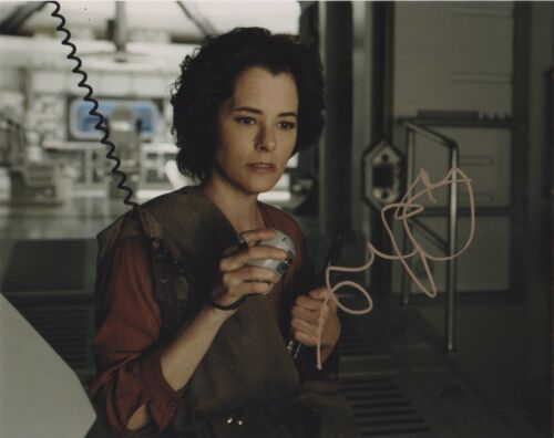 Parker Posey Lost in Space Autographed Signed 8x10 Photo COA E1D