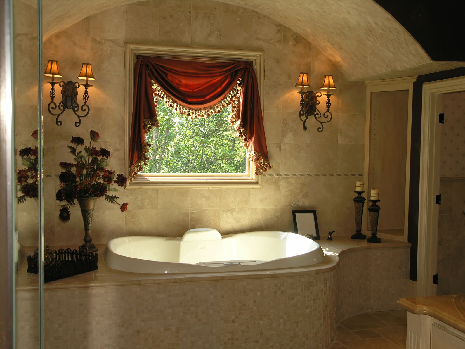 How to decorate a garden tub ebay for How to decorate a garden tub bathroom