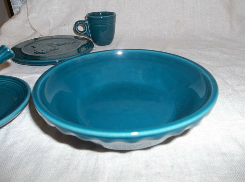 "Fiesta SMALL PIE BAKER  6 3/4"" Diameter - Retired Color/Design - 1st. - JUNIPER"