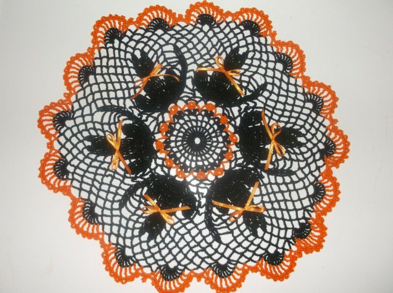 New Hand Crochet Halloween Doily Black Cats Orange Trim