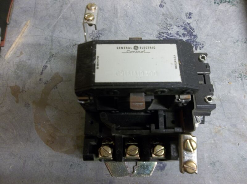 GE GENERAL ELECTRIC CONTACTOR CR161A19300 NO COIL