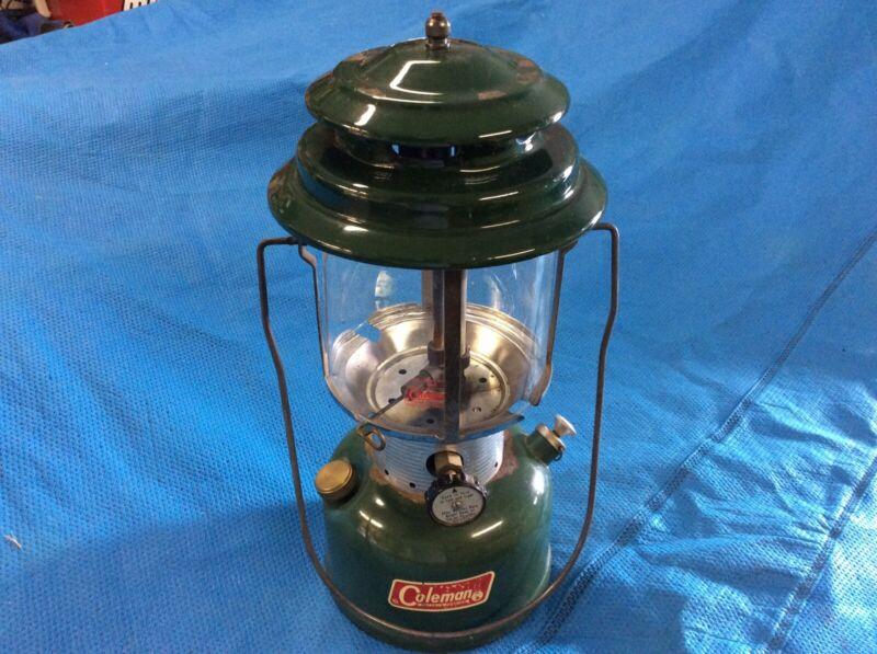 Vintage Coleman Lantern 220f.  1972