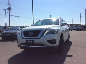 2017 Nissan Pathfinder SL AWD - LEATHER, MOONROOF, TRAILER HITCH