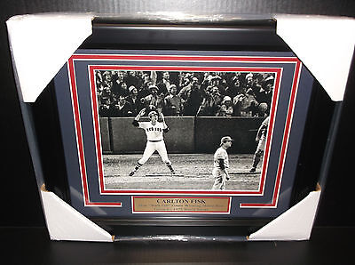 CARLTON FISK WALK OFF HOMERUN GAME 6 1975 WORLD SERIES RED SOX 8x10 PHOTO FRAMED Framed Photo World Series Game