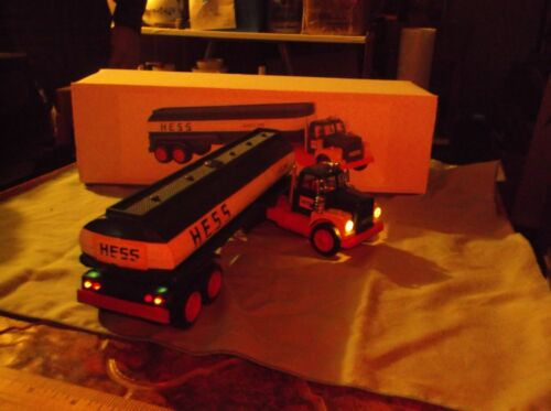 1968 Hess truck with working lights, no missing parts and a reproduction box