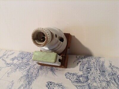 Vintage French Ceramic Bulb Holder & Ceiling Rose (3490d)