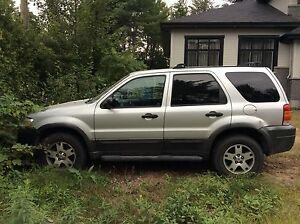 Ford Escape XLT 4 *4