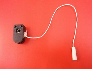 Replacement wall light side pull cord action switch