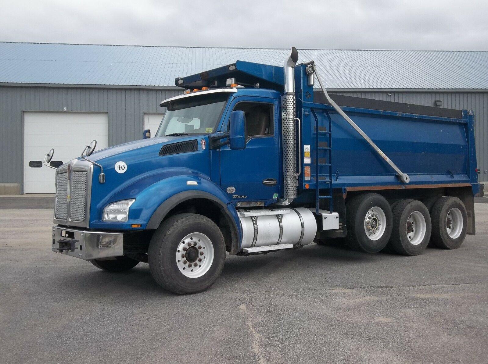 2015 Kenworth T880  Tri Axle Dump Truck