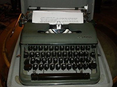 Olympia Vintage 1960s Sm-3 Manual Typewriter With Carrying Case