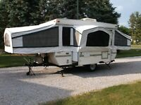 2001 Palomino Mustang Pop Up Folding Travel Trailer RV Camper Tailgating Clean