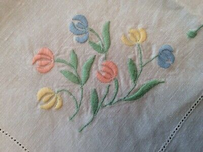 Beautiful  Hand embroidered Madeira Linen Tablecloth  (D9)