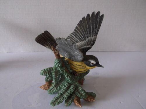 THE LENOX GARDEN BIRD COLLECTION Magnolia Warbler (Fine Porcelain 1999)