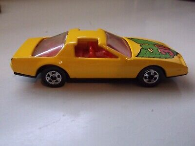 Hot Wheels 80's Firebird yellow 30 with green bird