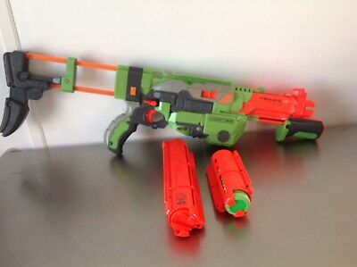 Nerf Vortex  Praxis Disc Shooter with 10/20 disc mags and 10 discs