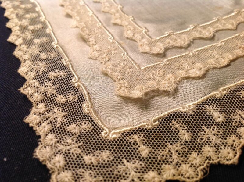#5620🌟Antique 1800s CUTTER Silk & French Lace Fine Wedding Handkerchief