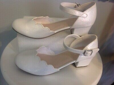 NWOB WHITE CHILDRENS PLACE DRESS GIRLS SHOES SZ 3 - White Childrens Dress Shoes