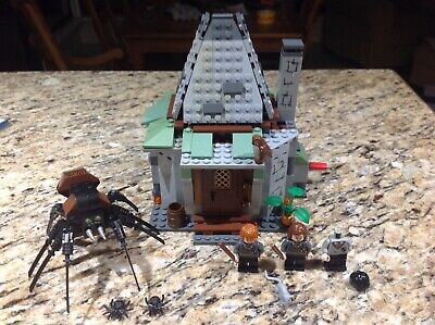 LEGO Harry Potter #4738 Hagrid's Hut (90% complete, two minifigures)