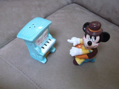 Enesco Disney Mickey Mouse With Piano #659673 Little Kingdom Salt Pepper
