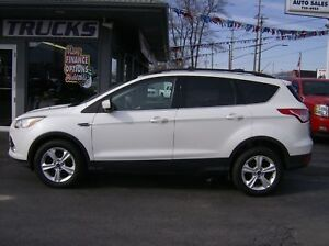 2013 Ford Escape SE Leather, Pano Roof, Bluetooth, Power Lift Ga