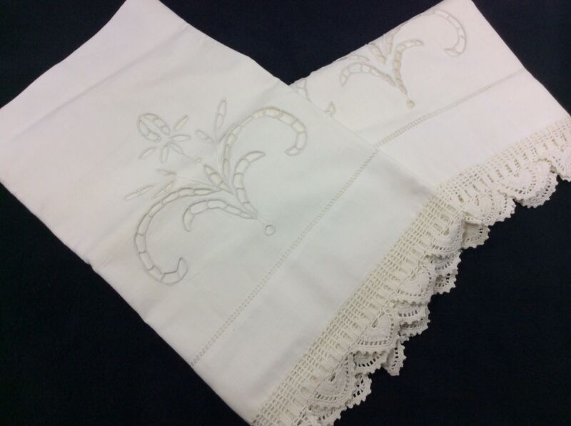 Vintage Ivory White Cutout Embroidery w/ Crochet Trim Pillowcase Set - Queen