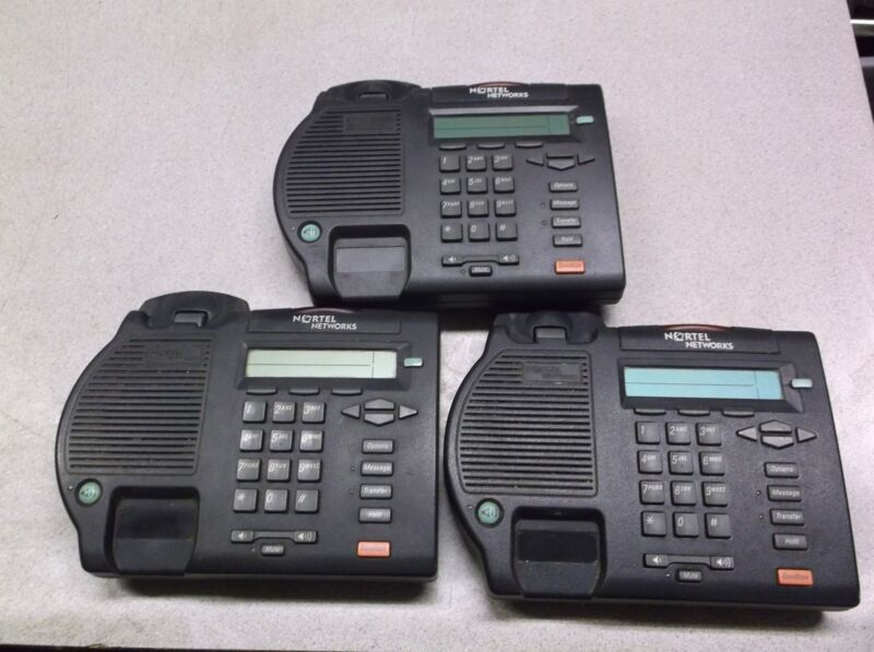 Lot of 3 Nortel Networks Phones NTMN32GA70 M3902 A0871952 *FREE SHIPPING*