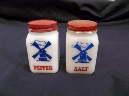 Hazel Atlas Windmill Salt & Pepper Range Shaker Set 1950