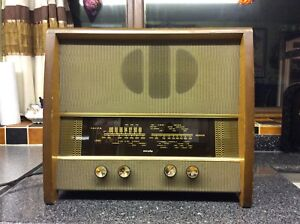 Old Vintage Murphy Radio, Working.