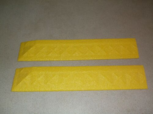 "2 ERGO Concepts ADVANTAGE Mat Edging, Recycled PVC 22"" long 4"" wide 1"" high"