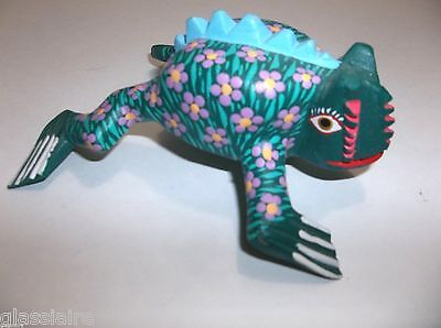 Mexican Folk Art Oaxacan Wood Carving CHAMELEON Signed DAVID