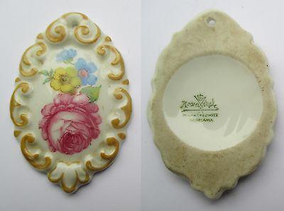 porzellananhänger marke rosenthal blumen 5,2x3,4cm / tracht ?