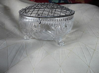VINTAGE SMALL GLASS SUGAR BOWL / POSY VASE & MESH ON 3 SCROLL FEET ETCHED