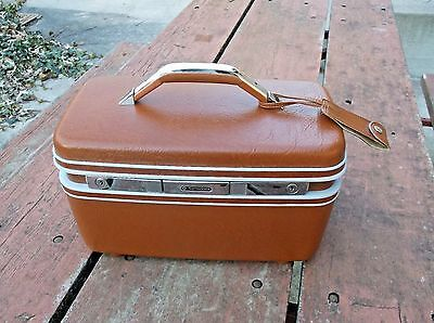 EXCELLENT VINTAGE BROWN SAMSONITE OVER NIGHT TRAIN CASE FROM A KANSAS ESTATE