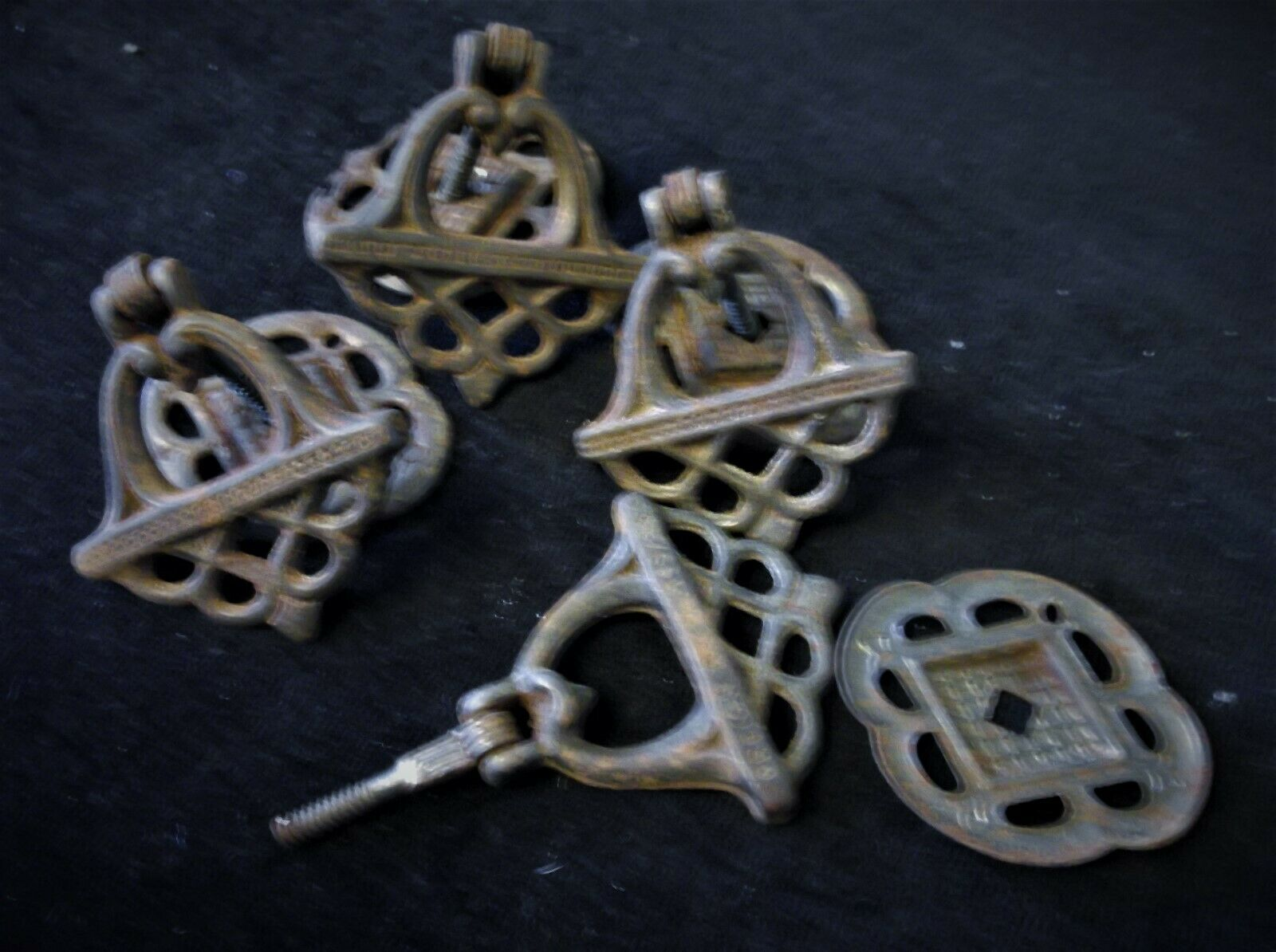 4 X GENUINE OLD CAST IRON DRAWER DROP HANDLES ORNATE + ORIGINAL BACKINGS Rd 799